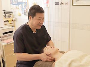 神戸快癒館の頸椎矯正の画像3